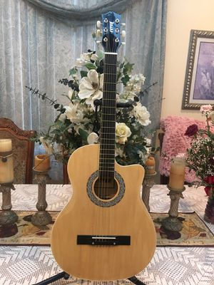 Fever acoustic guitar 38 inches length for Sale in South Gate, CA