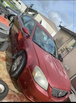Nissan Altima 2006 / 650$ or best offer selling for parts for Sale in Orlando, FL