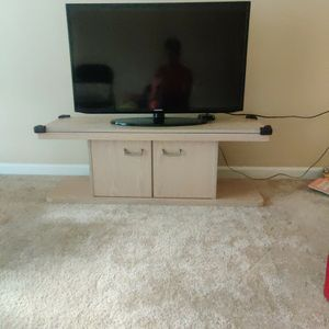 Tv Stand With Storage for Sale in Bellevue, WA