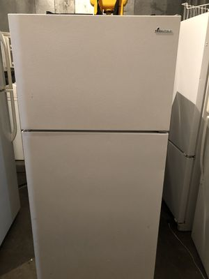 Amana Refrigerator apt size for Sale in Fresno, CA