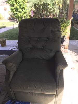 Motorized Power Lift & Recliner Chair for Sale in Long Beach, CA