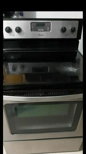 Whirlpool, ELECTRIC STOVE for Sale in Mercedes, TX