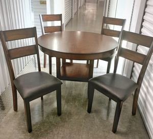 Dining Set - Round Table & 4 Chairs for Sale in Richardson, TX