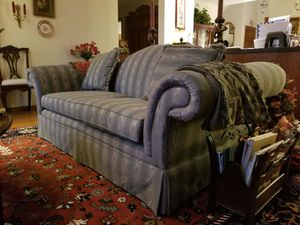 Bassett Sofa for Sale in Columbus, OH
