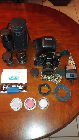 F-1 35mm Canon w/ Case lenses and filters for Sale in Hollywood, FL