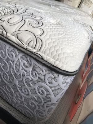 Queen mattress Beautyrest for Sale in Hialeah, FL