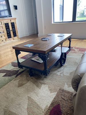 Wooden Coffee Table for Sale in Davie, FL
