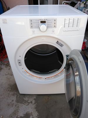 Kenmore gas dryer working great 30 days warranty free delivery and installation for Sale in Las Vegas, NV