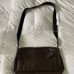 Authentic Coach Leather Brief Crossbody Carrying Bag (Brown) for Sale in Tampa, FL