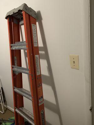 Escalera de 6 pies buenas condiciones for Sale in Lanham, MD