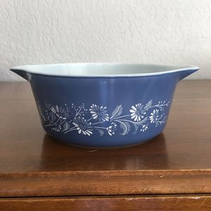 Pyrex bowl, colonial mist design, 2 1/2 quart size for Sale in Plantation, FL
