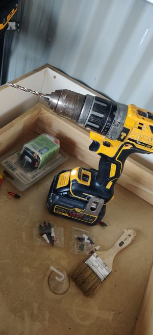 DeWalt 20 amp drill and baterie for Sale in Los Angeles, CA