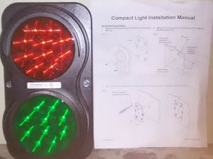 APS n go - LED safety light green and red for Sale in Modesto, CA