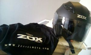 BRAND NEW ZOX MOTORCYCLE HELMET WITH SOLAR VISOR SYSTEM for Sale in Orlando, FL