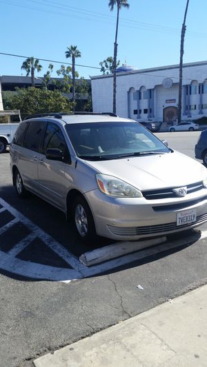 Toyota sienna for Sale in Los Angeles, CA