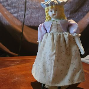 1991 Vintage Hollyhock Bonnet Porcelain Doll by Mary Yader for Sale in Indianapolis, IN