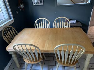 Kitchen table with removable extension for Sale in Trenton, MI