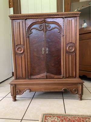 All Wood Nightstand/ Cabinet for Sale in Lake Helen, FL