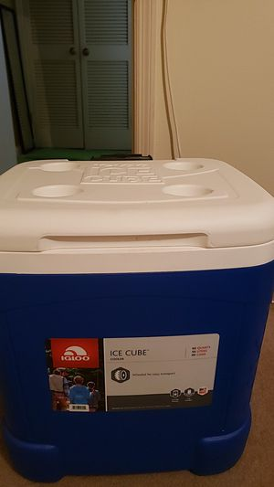 Igloo ice box for Sale in Brentwood, TN