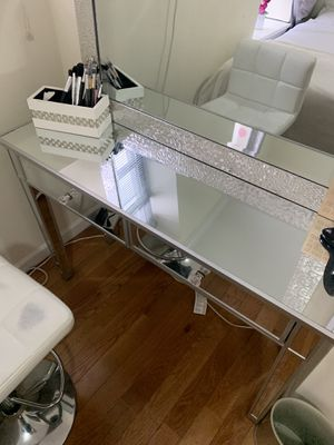 Mirror make up table with 2 shelf's for Sale in New York, NY
