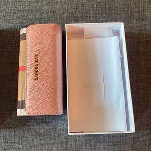 Pink Burberry Wallet Women's Brand New for Sale in Bellevue, WA