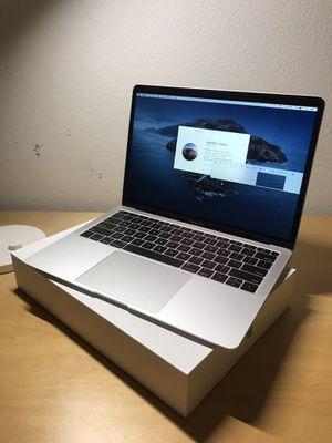 Apple MacBook Air 2019 - Silver for Sale in Irvine, CA