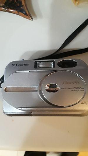 Fujifilm FinePix 2600 Zoom Digital camera for Sale in Mercer Island, WA