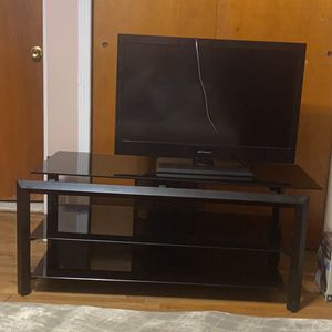 Tv And Tv Table Only 80$ for Sale in Queens, NY