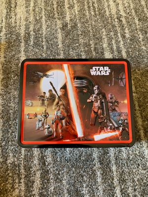 Star Wars Lunchbox w/ cool collectibles/action figures included for Sale in Las Vegas, NV