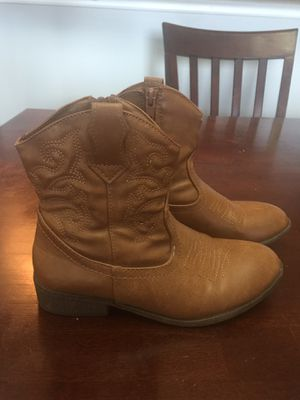 Girls boots size 1 for Sale in West Palm Beach, FL