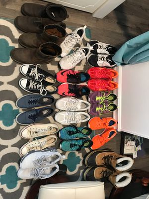 Size 8/9 men's shoes for sale. Best Offers (Tacoma) for Sale in Seattle, WA