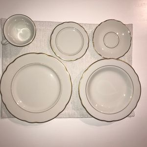 Vintage Jackson China Scalloped and Gold Rimmed Service For 8 for Sale in Upper Marlboro, MD