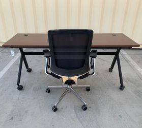 New Set of 2 HON 72x24x30 Inches Tall Chestnut Brown Desk 2 Person Table with Lota Full Function Office Chair Retail Value over $1500 for Sale in Los Angeles,  CA