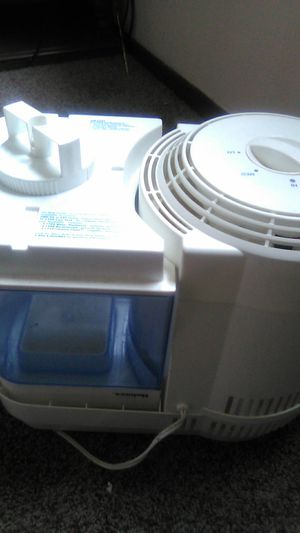 Holmes humidifier for Sale in Hutchinson, KS