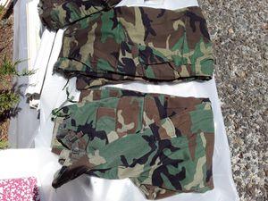 Small /medium camo pants lot for Sale in Vancouver, WA