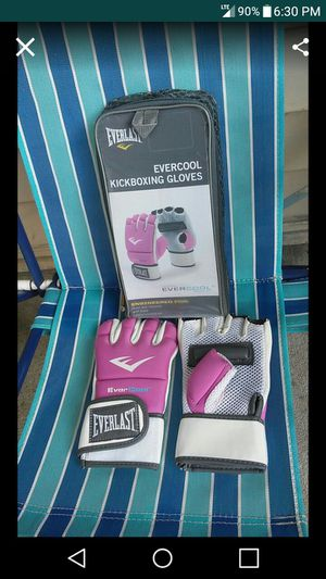 Isotone Womens Smartouch Gloves New for Sale in Nashville, TN