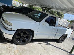 2001 Chevy Silverado for Sale in Los Angeles, CA