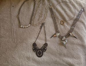 Necklaces Vintage Costume Jewelry All Bling 6 pieces 1 bracelet for Sale in San Pedro, CA