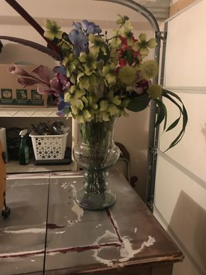 Large glass vase for Sale in Plainfield, IN
