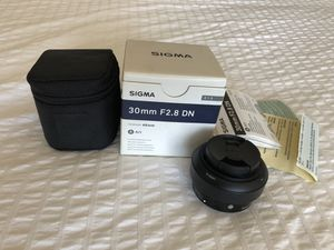 Sony E Mount Sigma 30mm f2.8 DN Art Lens for Sale in Orlando, FL