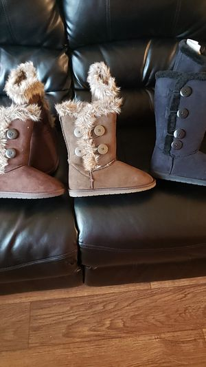boots 30 dollar each all size 8 for Sale in HILLTOP MALL, CA