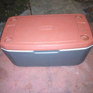 Coleman Cooler 24 Q...Usada en Buen Estado for Sale in San Antonio, TX