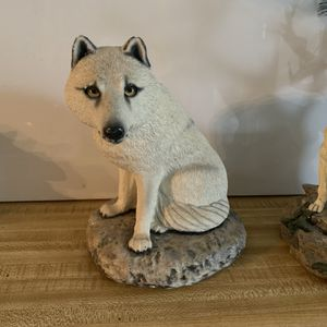 White Wolf Collectible Sculpture for Sale in Norcross, GA