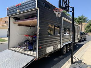 2003 Carerra by Carson 30 ft toy hauler for Sale in Anaheim, CA