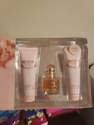New Jessica Simpson Fancy Perfume lotion shower gel set price is firm for Sale in Clovis, CA