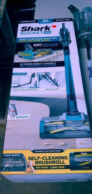Shark Rocket PRO Cordless Stick Vacuum IZ140 for Sale in Tulsa, OK