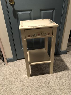End Table / Side Table / Night Stand for Sale in PA, US