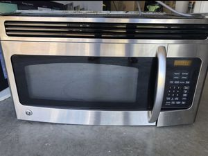 Free Microwave Needs Repairs for Sale in Fort Pierce, FL