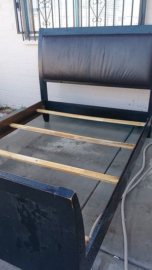 Queen size bed frame headboard for Sale in Chandler, AZ
