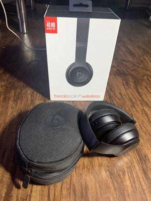 Like New Beats Solo 3 Wireless Matte Black Headphones w/box & all Accessories for Sale in San Antonio, TX
